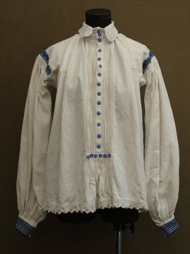 cir. 1910-1930's linen embroidered folk top