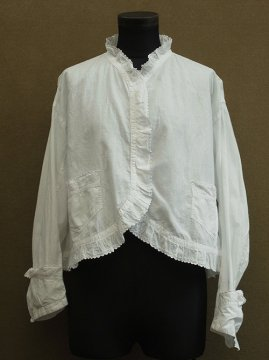 early 20th c. white blouse with pockets