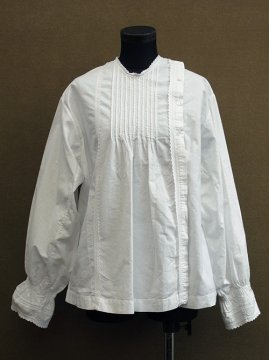 early 20th c. embroidered white blouse