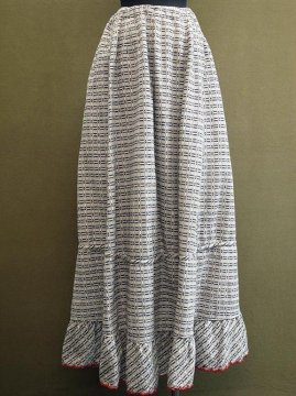 early 20th c. beige patterned long skirt