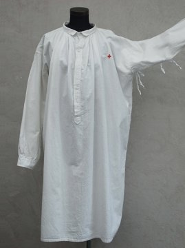 early 20th c. red cross white long shirt open side