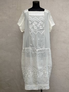 1920's embroiderewd dress