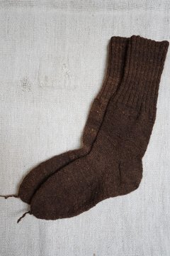 cir. early 20th c. hand-knitted brown wool socks
