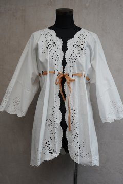 early 20th c. white cutwork blouse