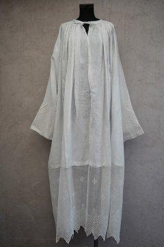 ~early 20th c. linen church long smock