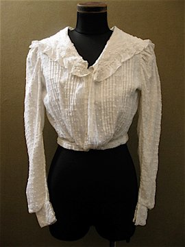 cir.1900's-1910's white dots blouse
