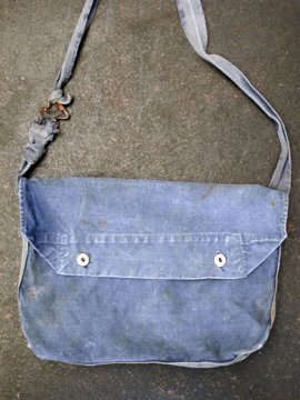 cir.1930-1950's blue cotton musette
