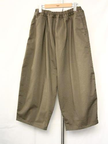 Ordinary fits BALL PANTS KHAKI ladies
