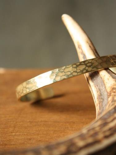 Slow Rise hammer finish brass bangle M. unisex