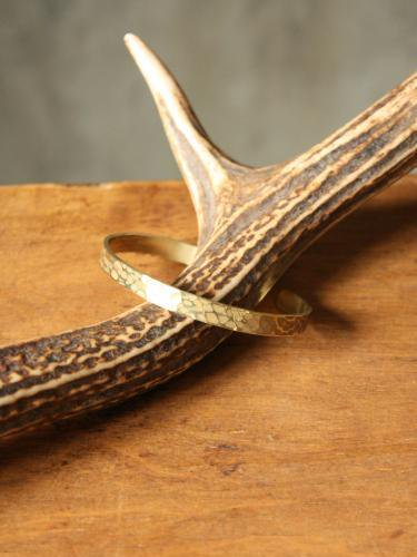 Slow Rise hammer finish brass bangle M. unisex
