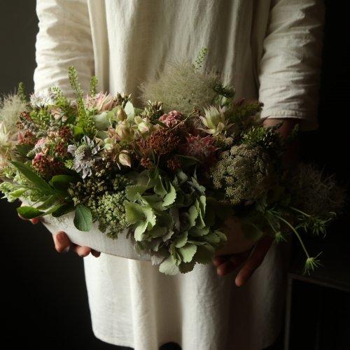 夏の爽やかなお花をあわせたアレンジメント