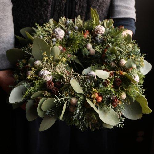 フレッシュの針葉樹の香りのクリスマスリース