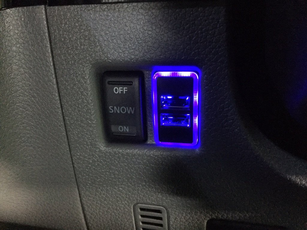 NV350 USB 2ポートスイッチホール