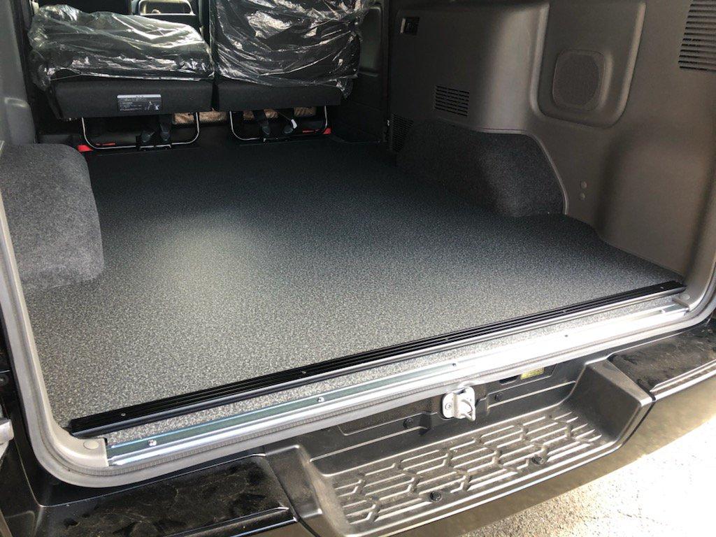 NV350 床貼り施工
