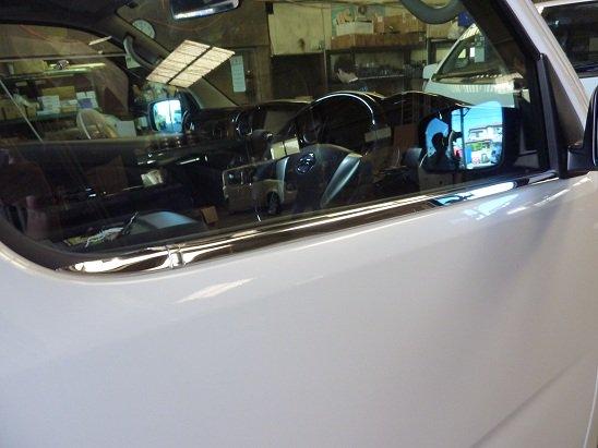 NV350 Fドアメッキモール