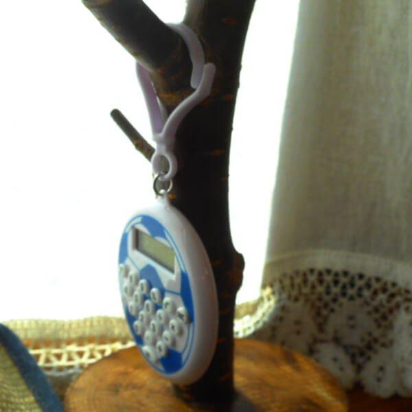 フック付きサッカーボール型ミニ電卓 1個【画像3】
