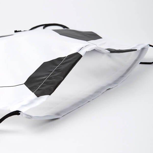 楽しくなるサッカーボール型巾着袋【画像3】