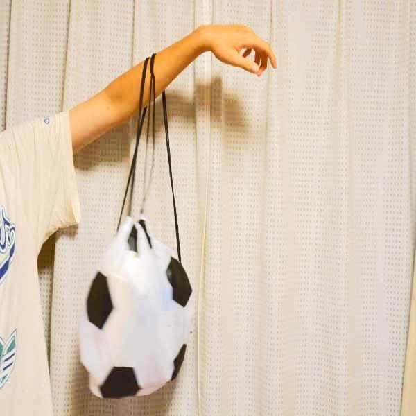楽しくなるサッカーボール型巾着袋【画像6】