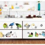 鳥がサッカーボールで遊ぶウォールステッカー 1枚
