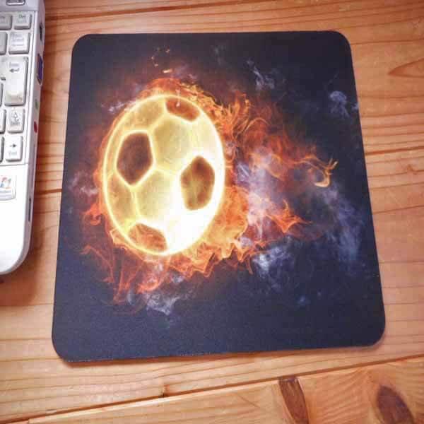 サッカーボールグッズ・雑貨 炎のサッカーボール柄のマウスパット【画像3】