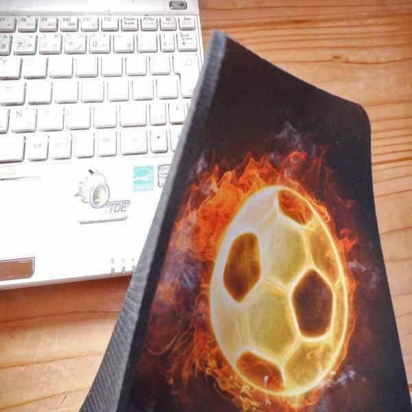 サッカーボールグッズ・雑貨 炎のサッカーボール柄のマウスパット【画像4】