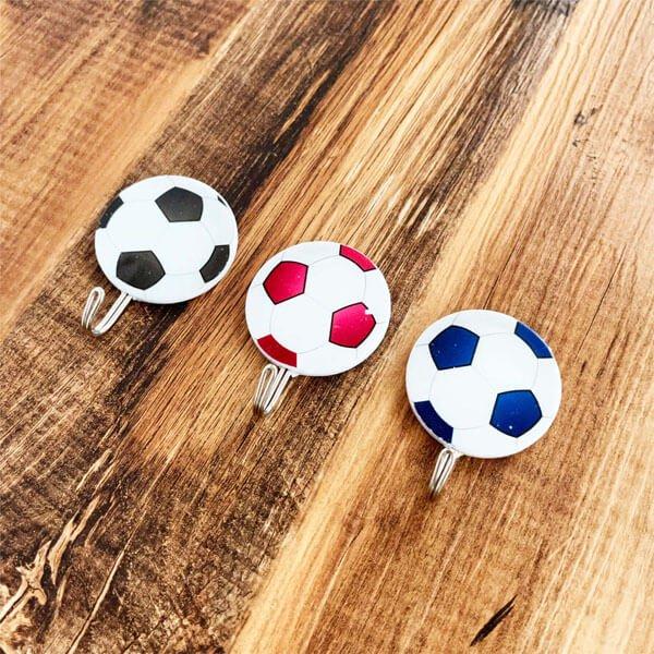サッカーボール柄の壁掛けフック ランダム1個【画像2】