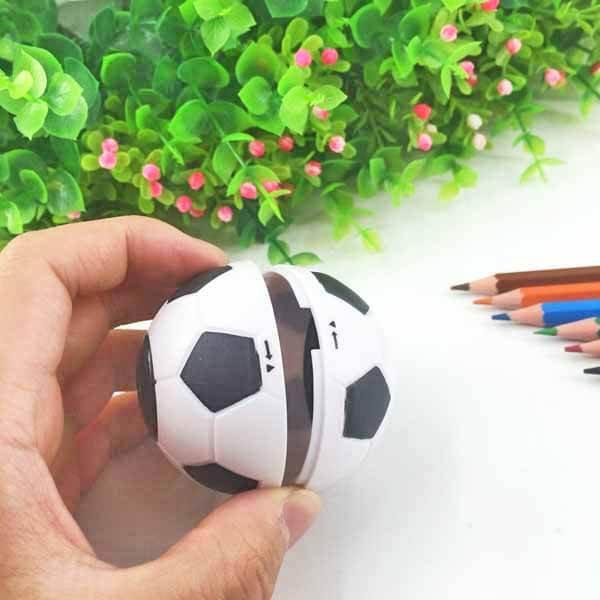 サッカーボール型鉛筆削り(白黒) 1個【画像2】