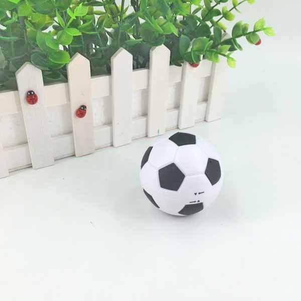 サッカーボール型鉛筆削り(白黒) 1個【画像5】