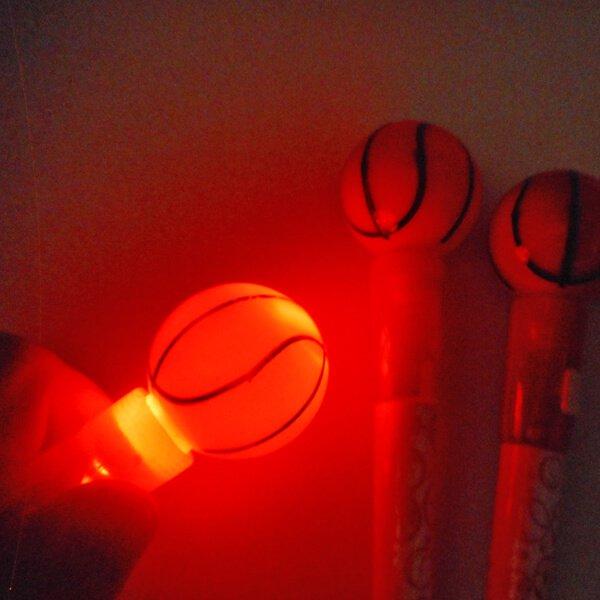 大きいプラバスケットボール付き ライトボールペン