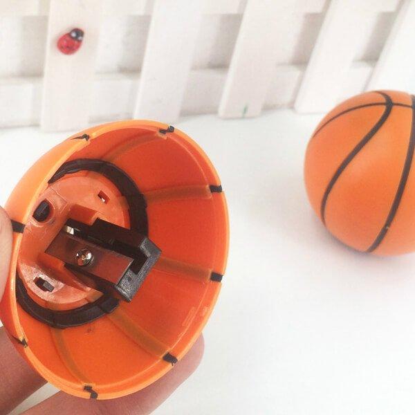 存在感抜群のバスケットボール型鉛筆削り【画像5】