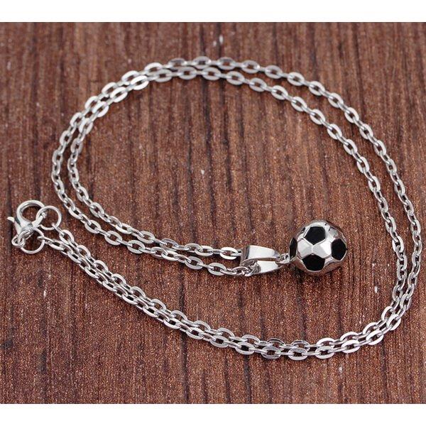 サッカーボール型の美しいネックレス【画像2】