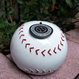 野球ボール型のインテリア貯金箱