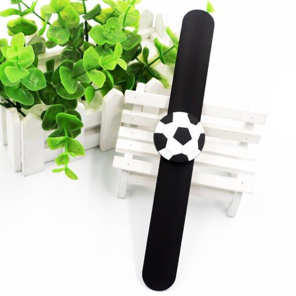 子供用のサッカーボールくるくるシリコンブレスレット