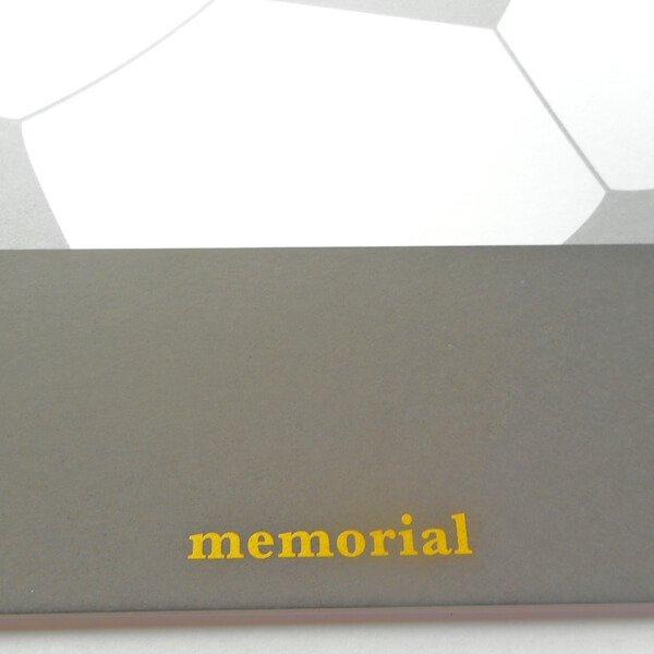 サッカーボールのメモリアル色紙【画像5】