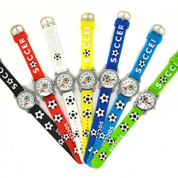 サッカーボール柄のキッズカラフル腕時計 1本