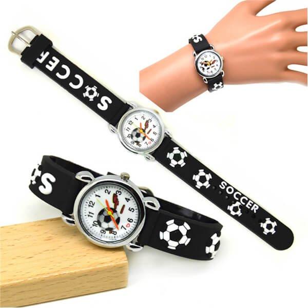 サッカーボール柄のキッズカラフル腕時計 1本【画像2】