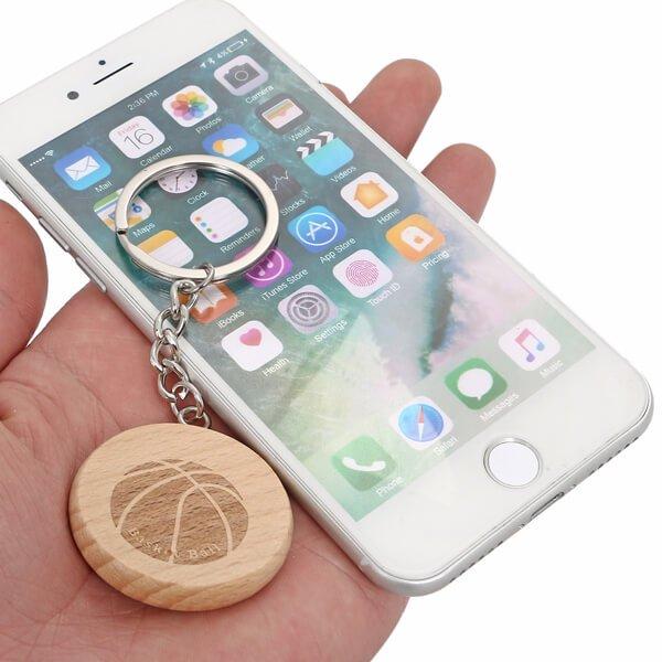 木製のオリジナルキーホルダー バスケットボール柄 1個【画像2】