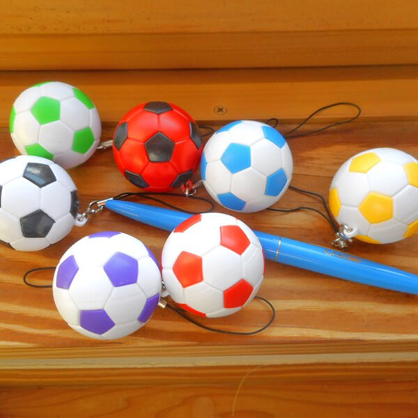 カラフルなサッカーボールストラップ  1個【画像2】