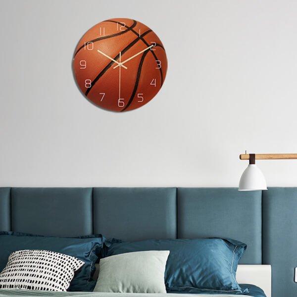 バスケットボール型のリアル壁掛け時計【画像2】