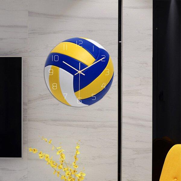 バレーボール型のリアル壁掛け時計【画像2】