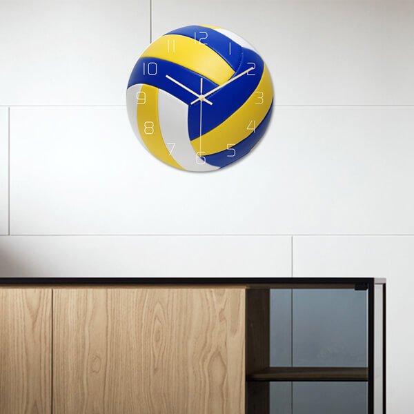 バレーボール型のリアル壁掛け時計【画像3】
