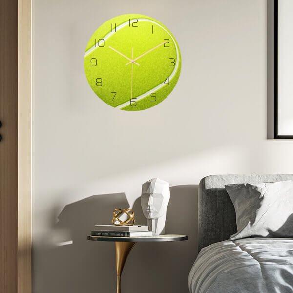 テニスボール型のリアル壁掛け時計【画像2】