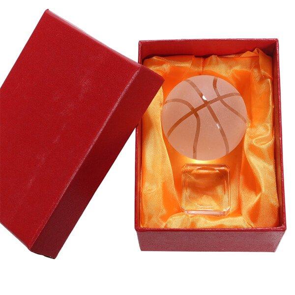 特注の箱と台座付き クリスタルバスケットボール 直径50ミリ【画像2】