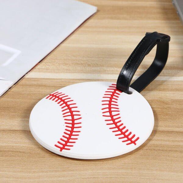 大きいサイズで目立ちやすい野球ボール型のネームワッペン【画像3】