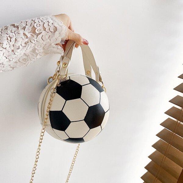 サッカーボール型ラウンドショルダーバック(2way) ゴールドチェーン付き【画像2】