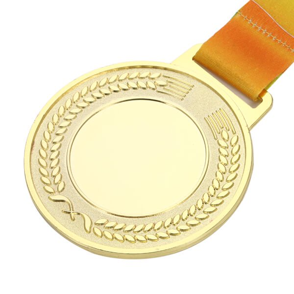 サッカー柄のカラフル金メダル【画像2】