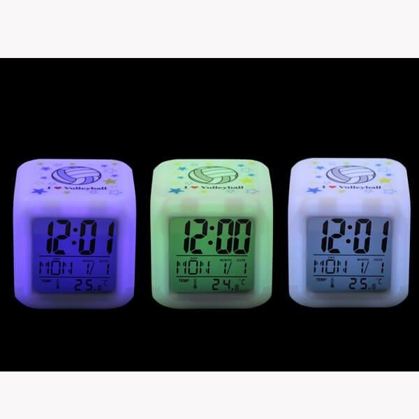 イルミネーション置き時計 ポップなバレーボール柄 (スヌーズ機能付き)【画像3】