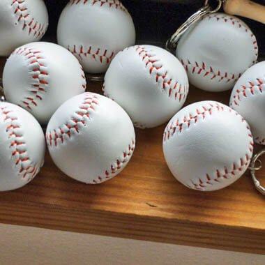 人気の野球キーホルダー バットとボール【画像4】