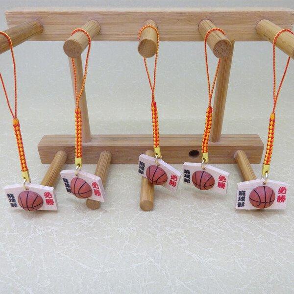 バスケットボール付根付ストラップ 木製絵馬(必勝!)【画像3】