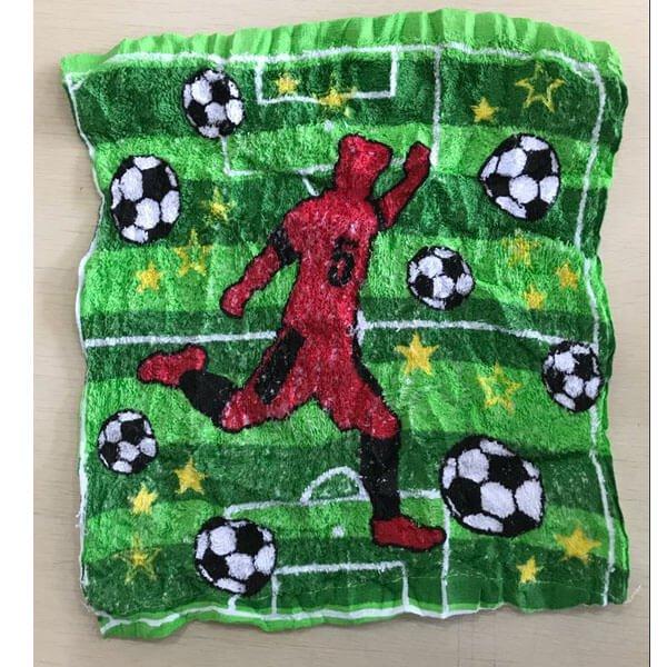 サッカー柄のミニタオルに変身するびっくりサッカーボール 1個